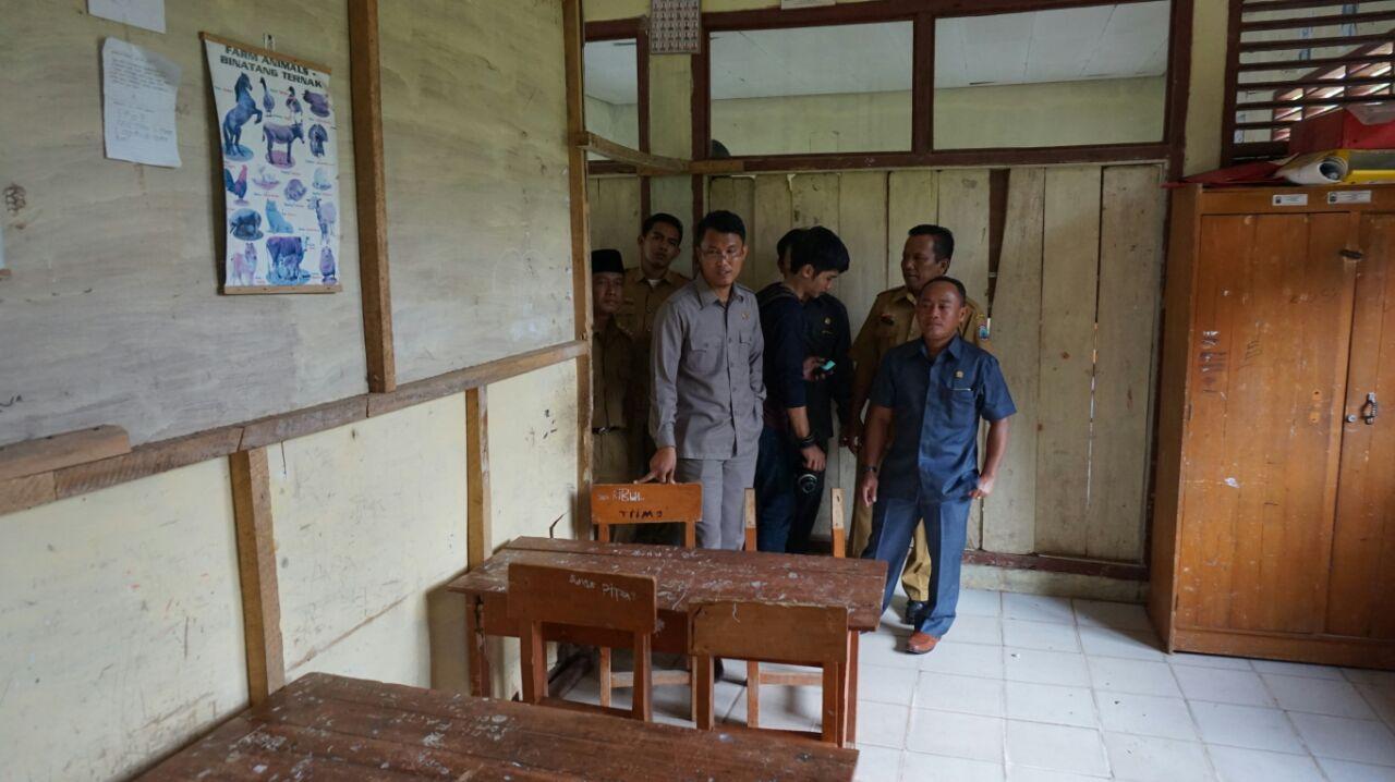 Komisi C DPRD Lamsel Usulkan Perbaikan Ruang Guru dan Kantor di Sejumlah SD