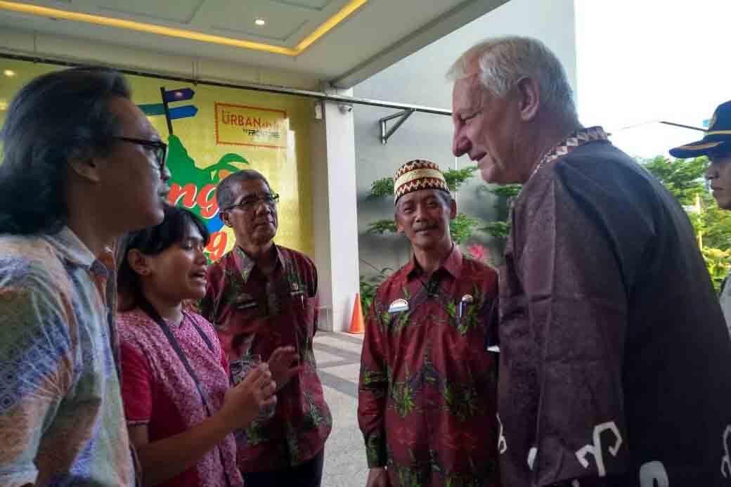 Kedutaan Belanda Kunjungi STBM Center Pringsewu
