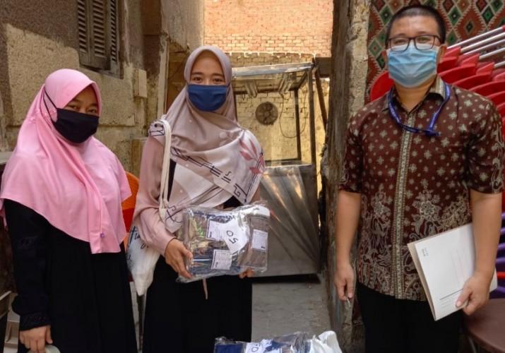 9.500 Masker Buatan Mahasiswa Indonesia Disalurkan di Mesir