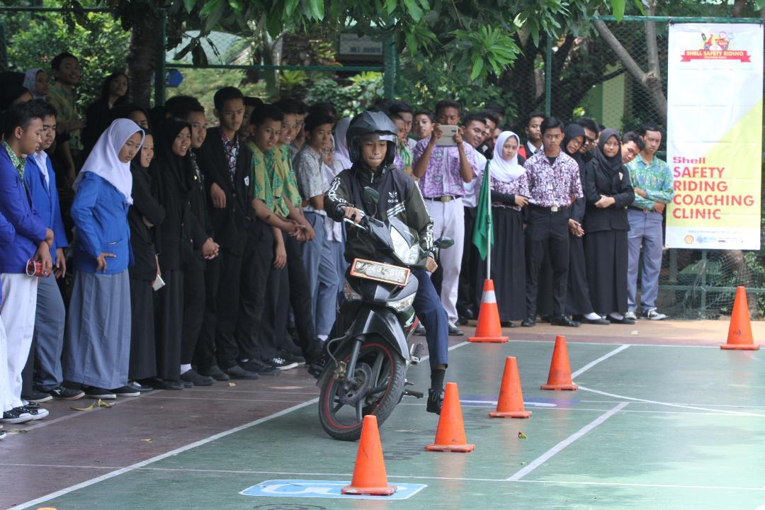 Shell Indonesia Gelar Kampanye Keselamatan Berkendara di SMK