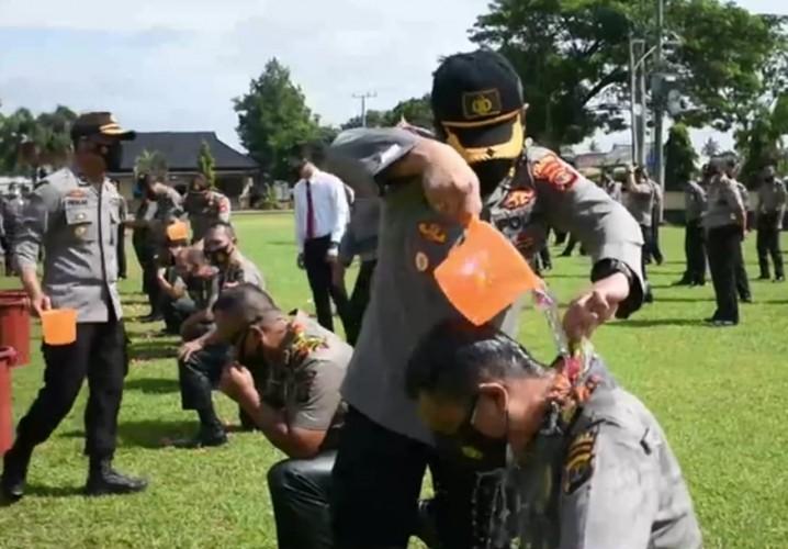 95 Personel Polres Lamtim Naik Pangkat