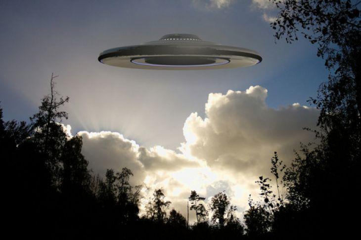 Awan Mirip UFO Hebohkan Warga Banyumas