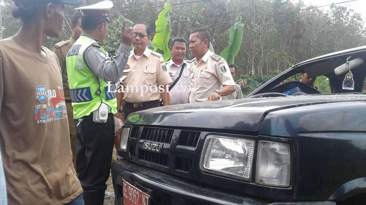 Kecelakaan Beruntun di Desa Labuhanratu Libatkan 3 Mobil dan 1 Motor