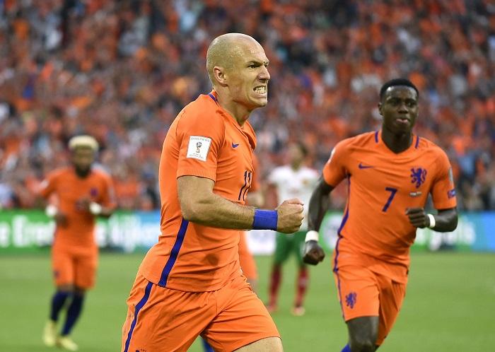 Robben Perpanjang Nafas Belanda