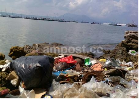Pemkab Peswaran Koordinasikan Masalah Sampah di Laut