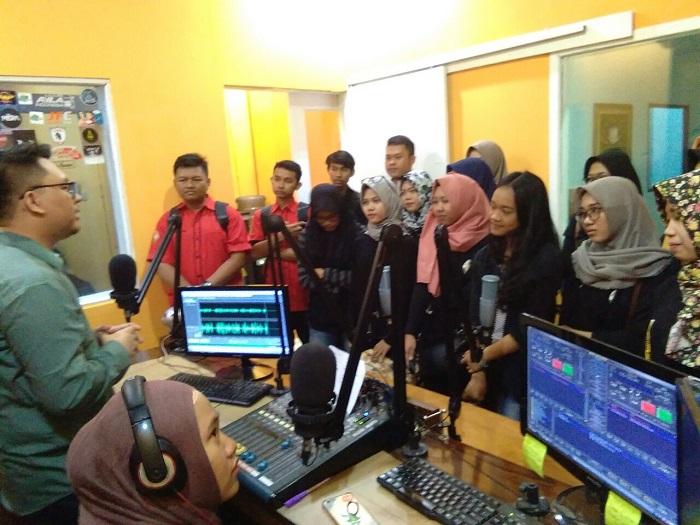 Rakanila Gali Ilmu di Radio SAI