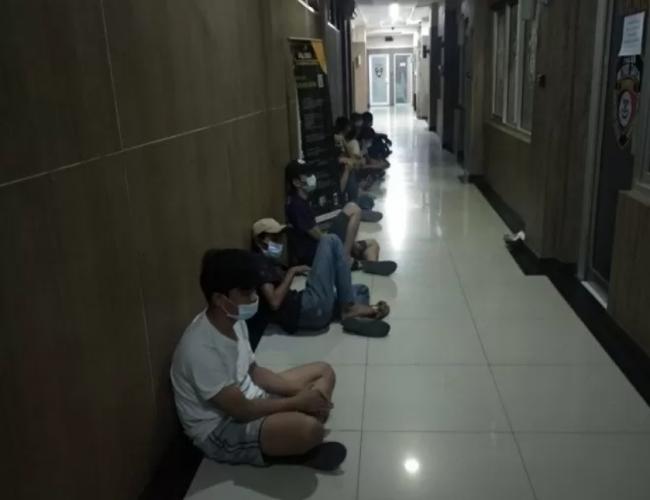 Abaikan Social Distancing, 19 Orang Ditangkap Polisi