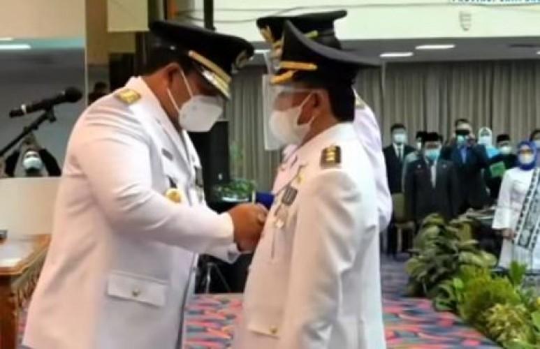 Agus-ZulqoiniResmi Jadi Bupati dan Wakil Bupati Pesisir Barat