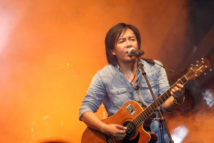 Ahmad Dhani Beberkan Alasan Pilih Ari Lasso jadi Vokalis Dewa