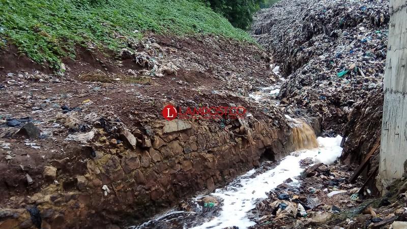 Air Limbah Sampah TPA Bakung Ancam Kesehatan Warga