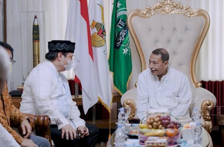 Airlangga Silaturahmi ke Kediaman Habib Luthfi di Pekalongan