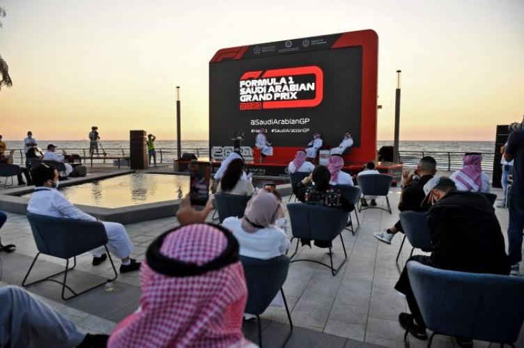 Ajang Formula E di Arab Saudi Berlangsung Malam Hari
