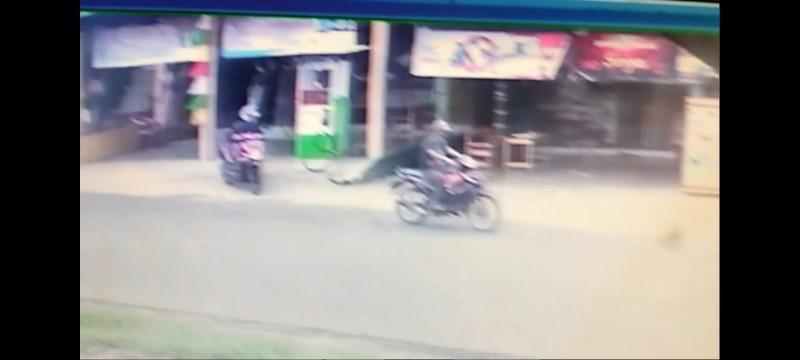 Aksi Pencurian Motor di Sidomulyo Terekam CCTV