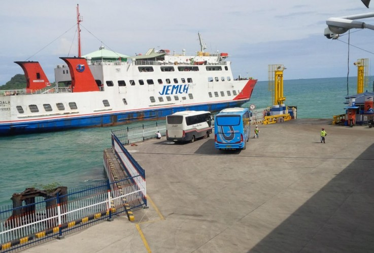Aktivitas Kapal Ferry Normal