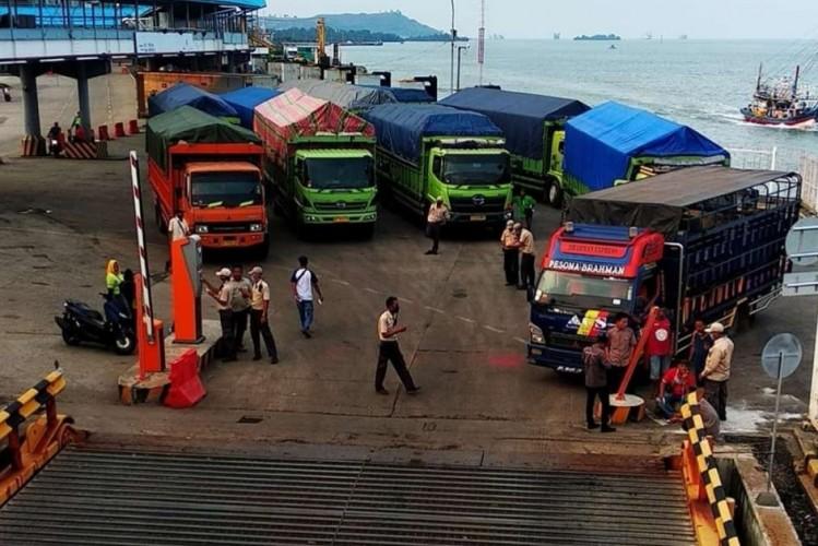 Aktivitas Penyeberangan Pelabuhan Bakauheni Sepi Penumpang
