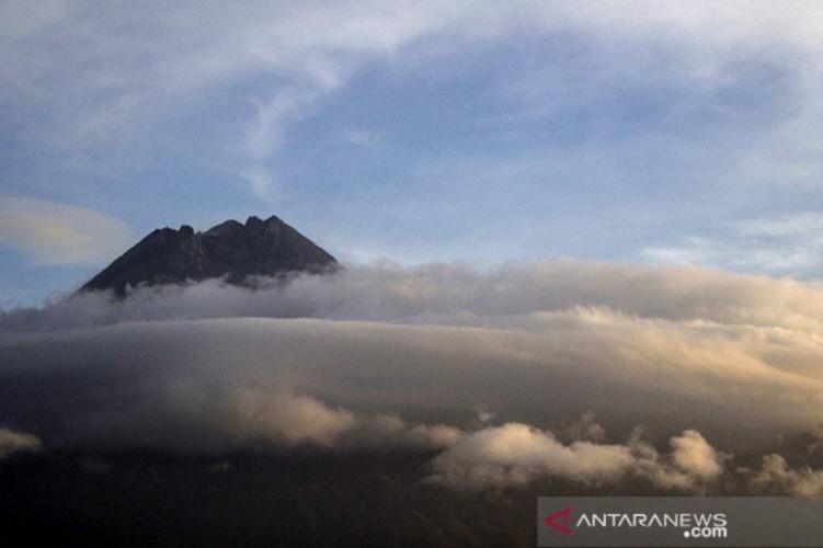 Aktivitas Vulkanik Gunung Merapi Meningkat
