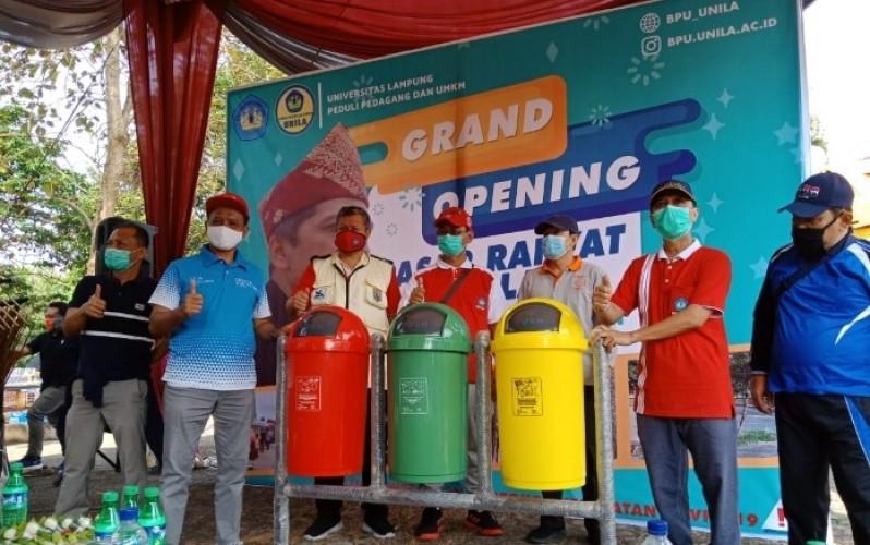 Amatil Indonesia Bantu Wujudkan Pasar Rakyat Unila Bersih dan Nyaman
