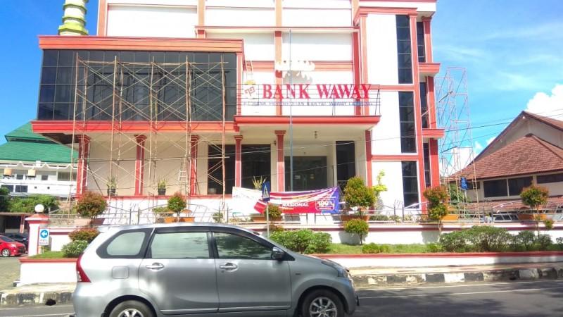 Anggota Damkar yang Dirugikan Sistem Penarikan Dana Bank Waway Diminta Lapor OJK