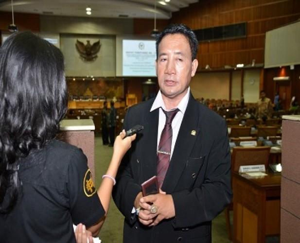 Anggota Fraksi PDI Perjuangan DPR Meninggal akibat Covid-19