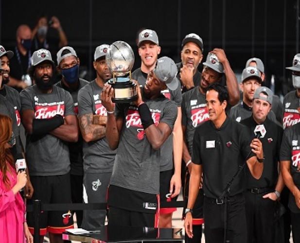 Angkat Trofi Wilayah Timur, Heat Tantang Lakers di NBA Finals