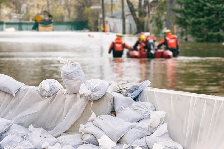 Anies Klaim Banjir Jakarta Sudah Surut 100 Persen