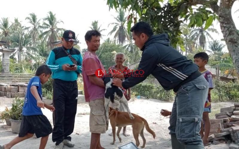Anjing dan Kera di Baliagung Divaksin Rabies