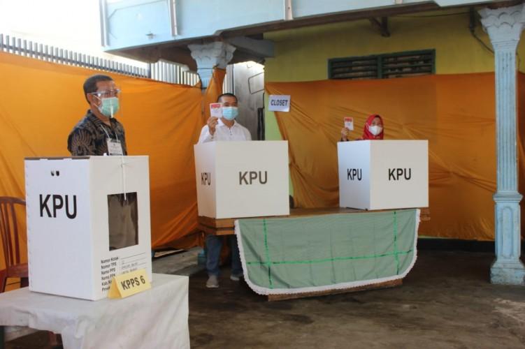 Anna Imbau Pemilih Patuhi Protokol Kesehatan