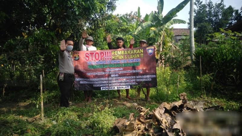 Antisipasi Karhutla, Bhabinkamtibmas Gencar Sosialisasi di Way Kanan