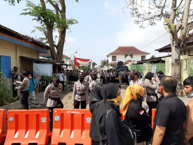 Aparat Kawal Ketat Kantor Bawaslu Bandar Lampung