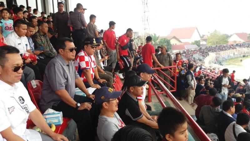 Arinal Antusias Nonton Langsung Badak Lampung FC vs PSIS Semarang