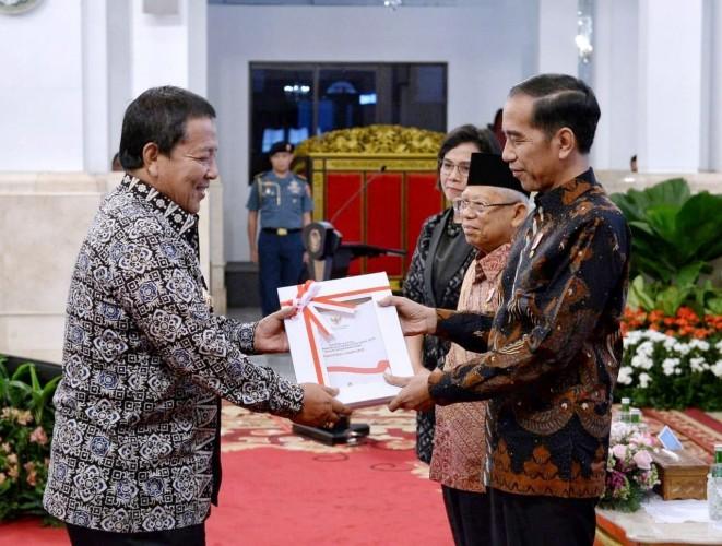 Arinal Terima DIPA dan Daftar Alokasi Daerah dari Jokowi