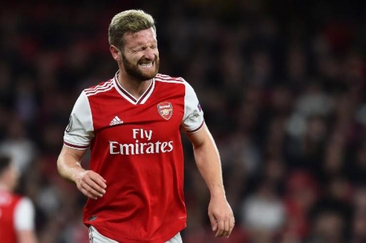 Arsenal Takkan Lepaskan Mustafi di Bursa Transfer