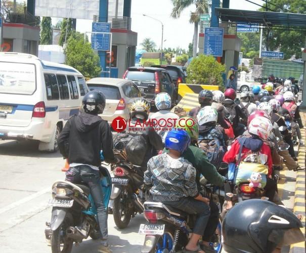 Arus Balik Mulai Menurun, 270.447 Pemudik Belum Kembali ke Pulau Jawa