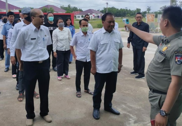 ASN di Mesuji Tetap Berkantor Selesaikan Pekerjaan Mendesak