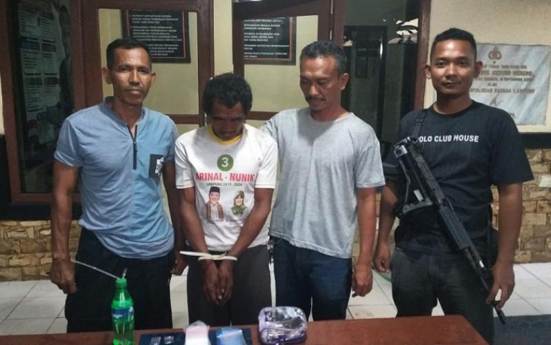 Asyik Pesta Narkoba, Petani Asal Teladas Dibekuk Polisi
