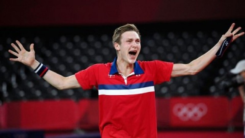 Axelsen Taklukkan Chen Long di Final Bulu Tangkis Olimpiade Tokyo
