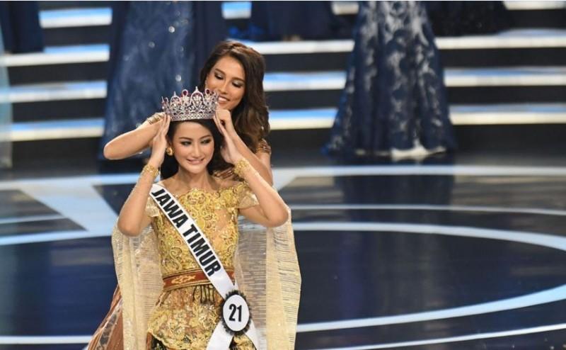 Ayu Maulida Putri Pemenang Puteri Indonesia 2020