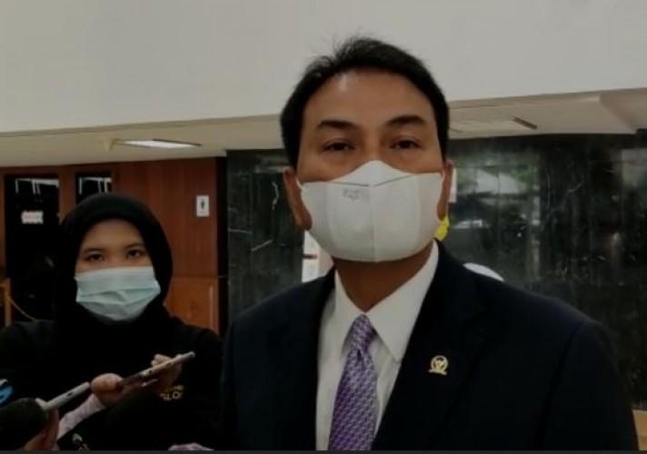 Azis Syamsuddin Kenal Eks Penyidik KPK Robin atas Bantuan Polisi