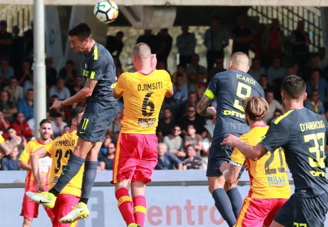 Inter Milan Bekap Tim Gurem Benevento 2-1