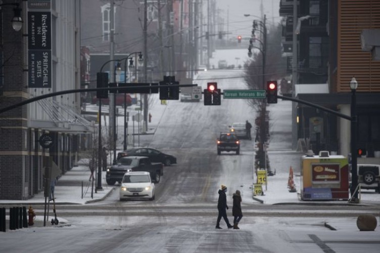 Badai Musim Dingin Ekstrem Landa Amerika