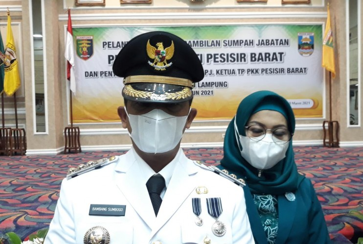 Bambang Sebut Pesisir Barat Mutiara Lampung yang Terpendam