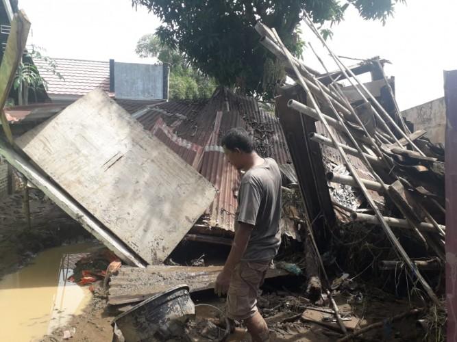 Banjir Bandang di Telukbetung Timur Merusak Ratusan Rumah