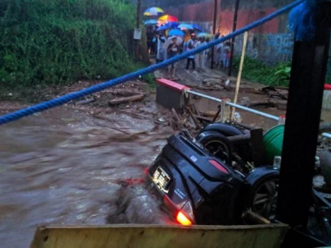 Banjir Bandang Terjang Sukabumi, 20 Orang Luka dan 3 Hilang