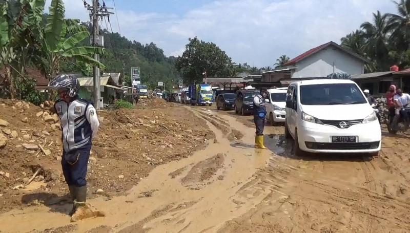 Banjir di Semaka Surut, Warga Yang Mengungsi Kembali ke Rumah