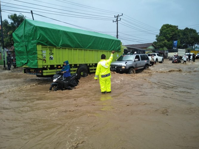 Banjir Kembali Terjadi di Tarahan--Rangai