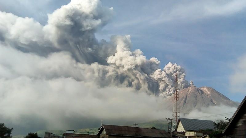 Banjir Lahar Dingin Ancam Wilayah Sekitar Gunung Sinabung