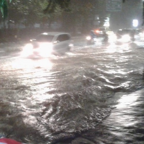 Banjir Melanda Usai Perayaan Tahun Baru