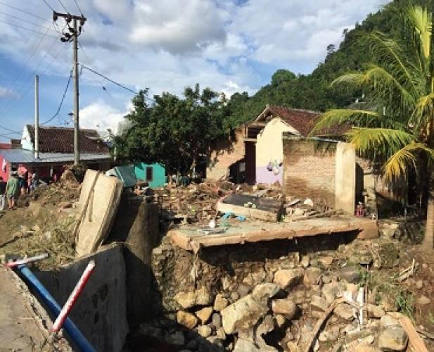 Banjir Rendam Puluhan Rumah, Beberapa Warga Terluka