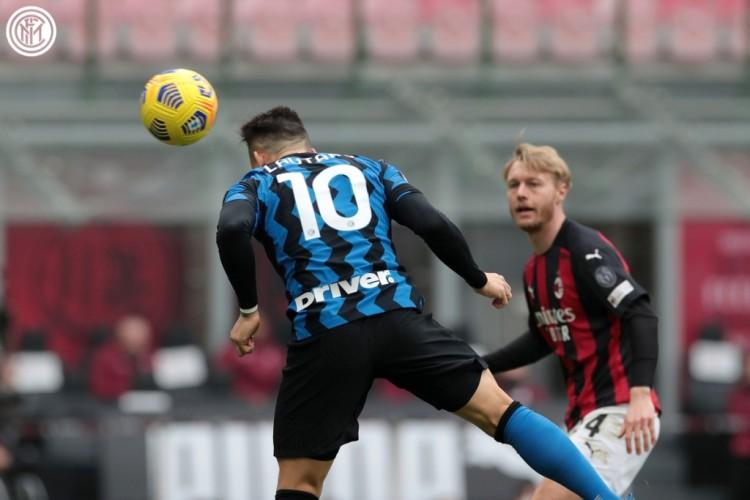 Bantai AC Milan, Inter Ambil Alih Puncak Klasemen
