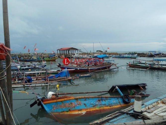 Bantuan Kapal Nelayan dari Pusat untuk Korban Terdampak Tsunami di Lamsel Tak Jelas